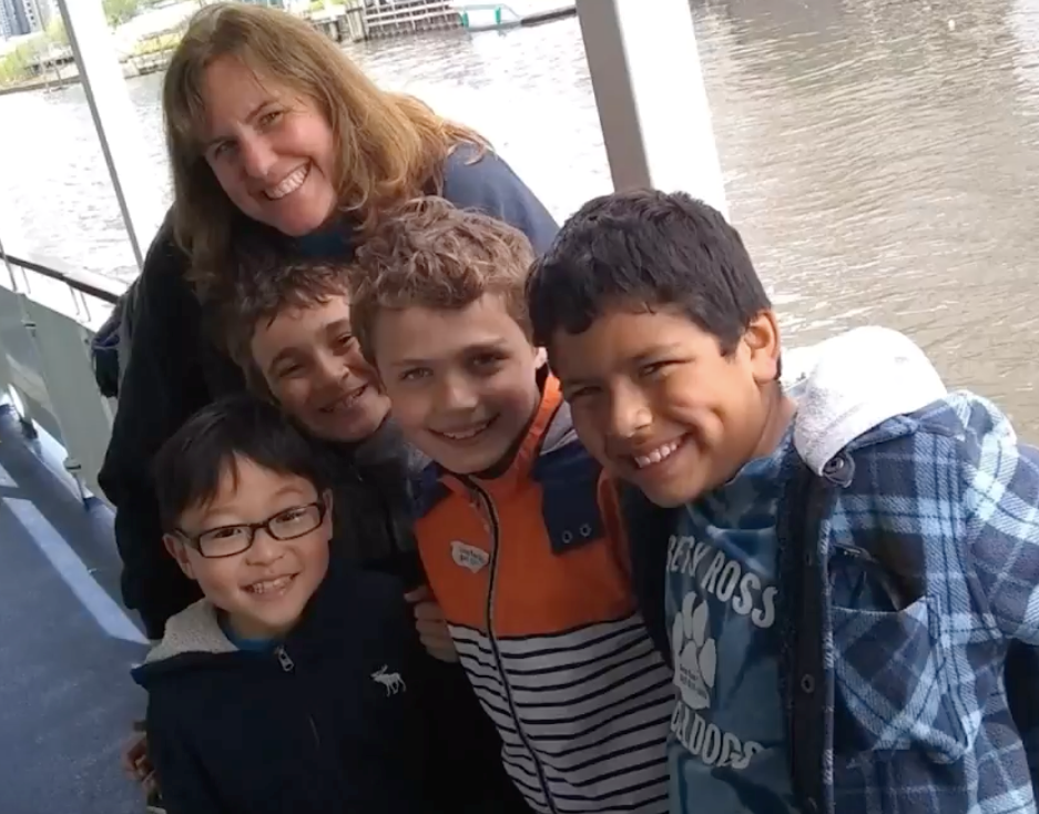 Students with teacher on the Wendella Boat